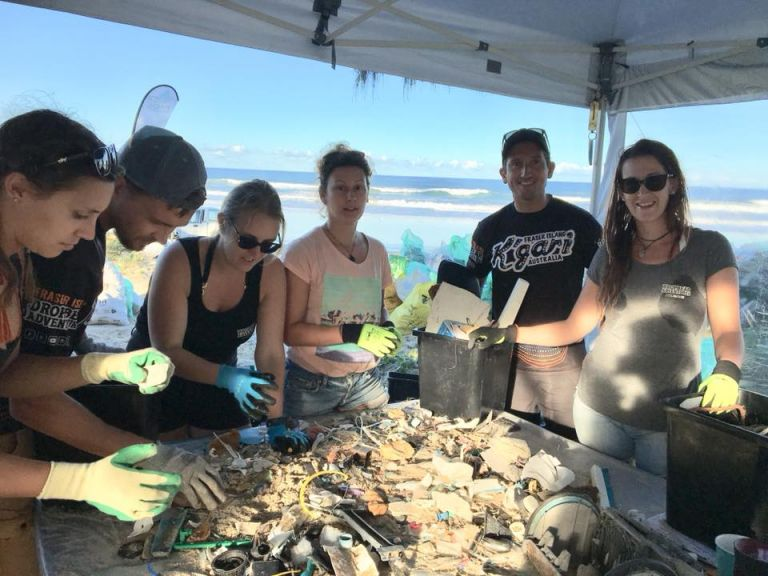 Fraser Island Clean Up Volunteers Collect Rubbish