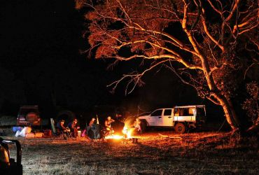 Group campfire camping Whitegum Farm 4x4