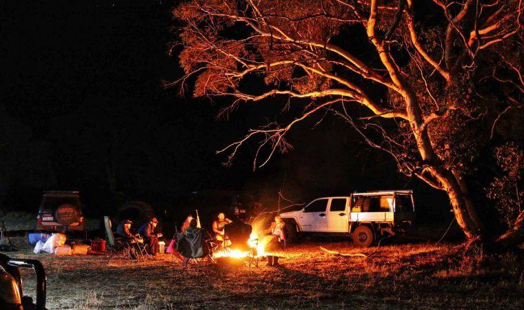 Group campfire camping Whitegum Farm 4x4