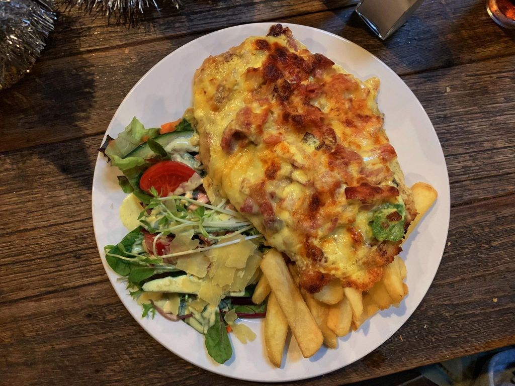 Dargo Hotel the pub meals are huge