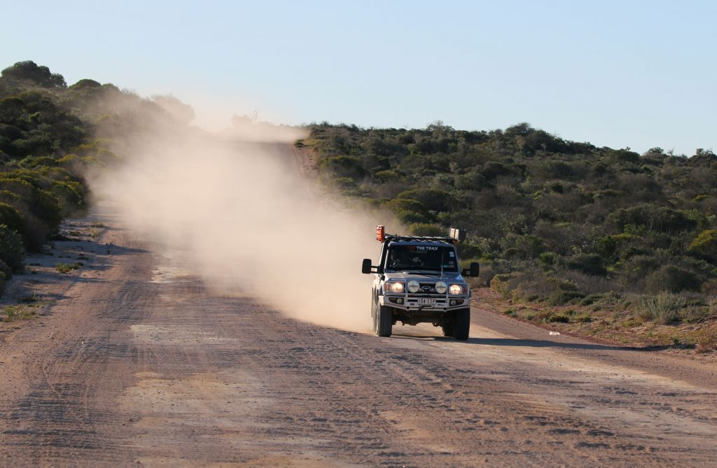 Dirt Road 70 series Landcruiser 4WD