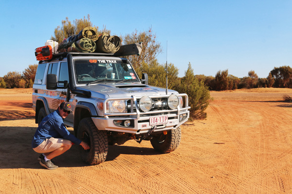 Landcruiser 4WD airing down for Holland Track